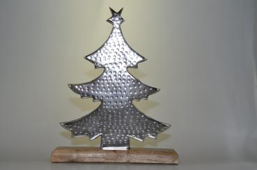 Baum aus Metall gehämmert, auf Holz 32x26x5cm